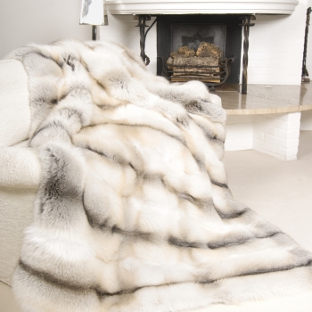 Fawn-Light Fox Fur Blanket: Samoa