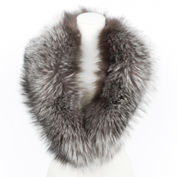 Silver Fox Fur Collar, between classic and funky